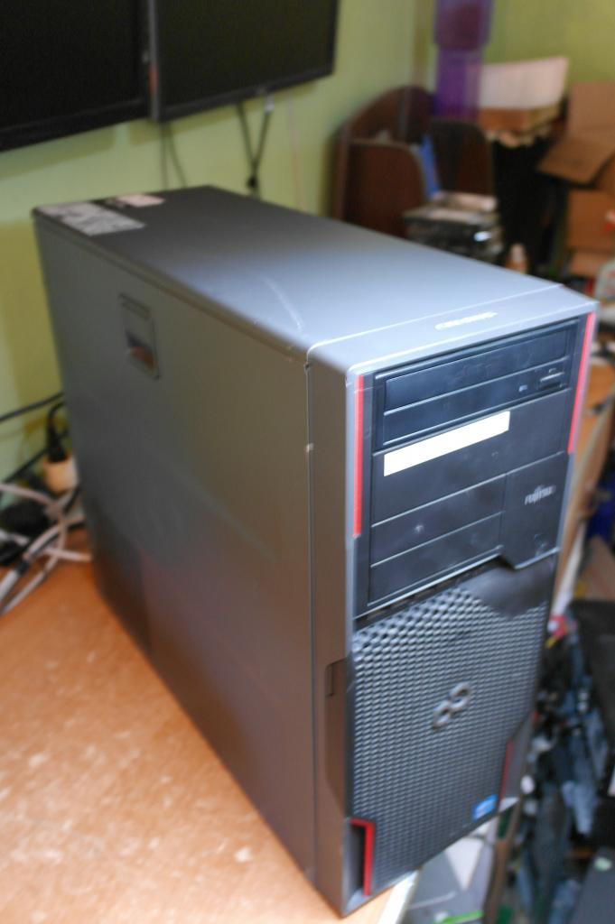 Рабочая Станция FUJITSU CELSIUS W520 Intel® Xeon® E3-1280 V2 3.60GHz /12Gb DDR3 /HDD 320Gb / LGA1155