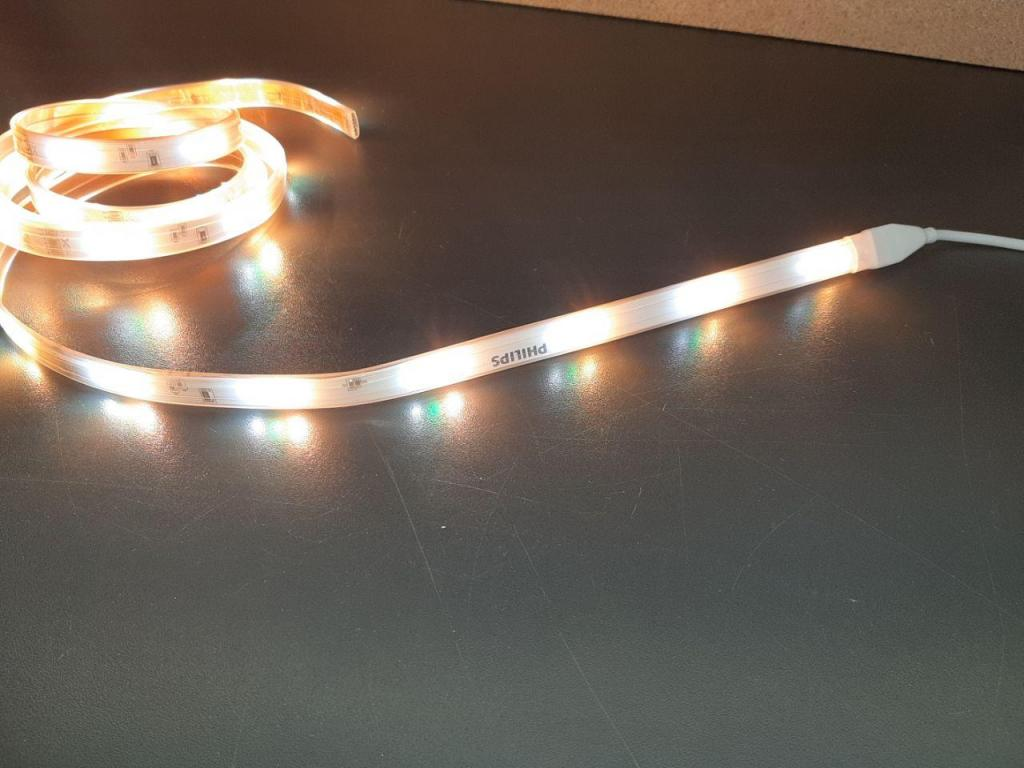 Н.13.2557 Лед лента Philips Hue Lightstrip Plus v3 Цена новой £34.11